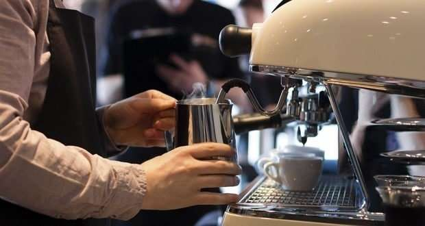 ماكينة عمل رغوة القهوة
