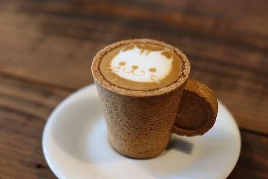 كوب قهوة من البسكوت