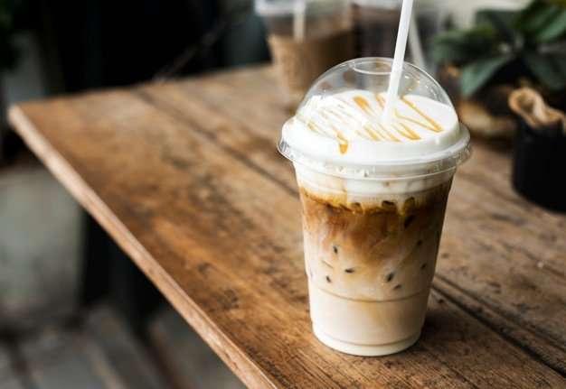 كوب قهوة بلاستيك