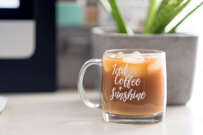 كاسات قهوة باردة زجاج